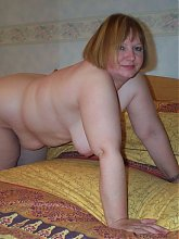 Chunky mature slut showing her body off