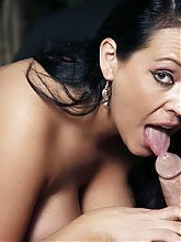 Slutty housewife Angelica gives her stud a deepthroat and got cooter fucked to the hilt live