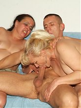 Naughty matures Elizabeth And Juliana got themselves take turn in sucking and fucking in this threesome live